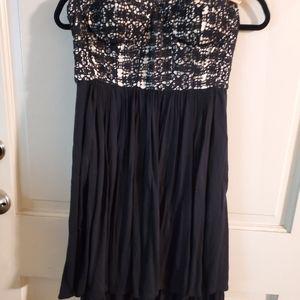 Dil. Sz 4 Cocktail Dress. Black